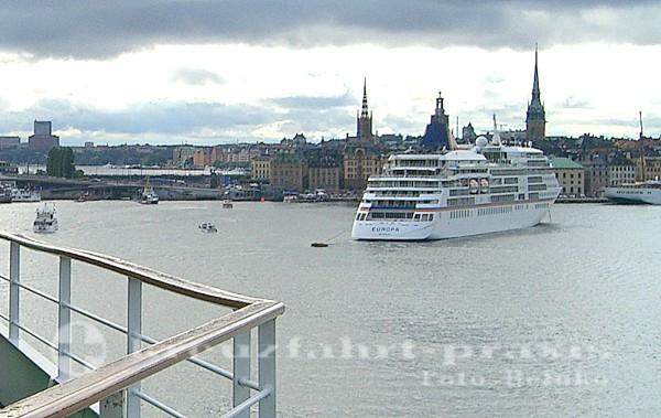 MS Europa vor Stockholm