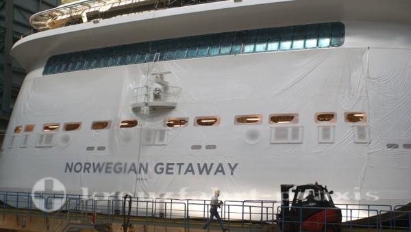 Norwegian Getaway im Baudock der Meyer Werft