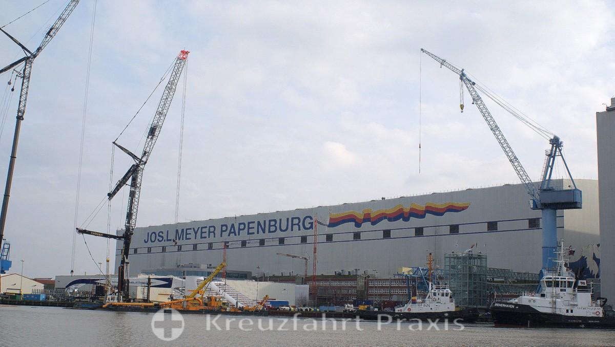 Werfthalle der MEYER Werft
