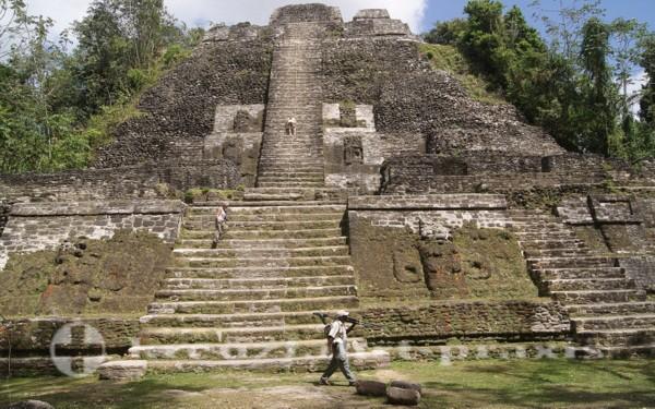 Der Hohe Tempel in Lamanai