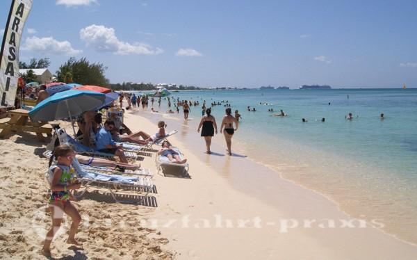 Grand Cayman - Seven Mile Beach