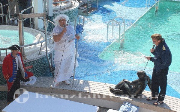 Der Kapitän begrüßt Neptun