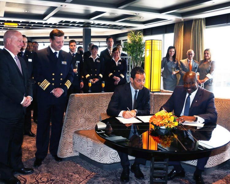 MS Koningsdam - Übernahme-Zeremonie
