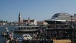 Venedig - Isola San Giorgio Maggiore mit Kreuzfahrtschiff