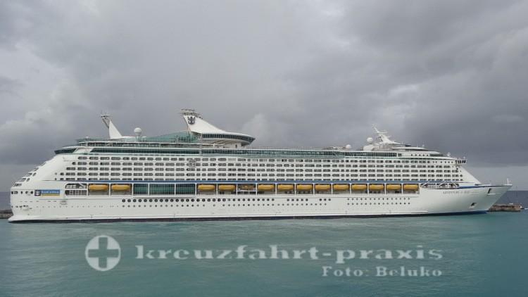 Adventure of the Seas im Hafen von Barbados