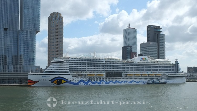 aida cruises aidaprima in rotterdam