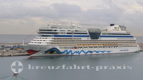 AIDAbella im Hafen von Palma de Mallorca