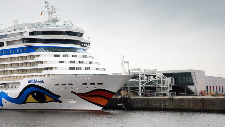 AIDAbella - Am neuen Cruise Terminal Hamburg Steinwerder