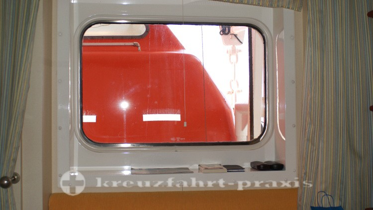 Outside cabin - view obstruction by lifeboat