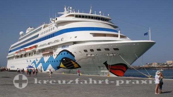 AIDAcara - Im Hafen von Praia/Kapverden