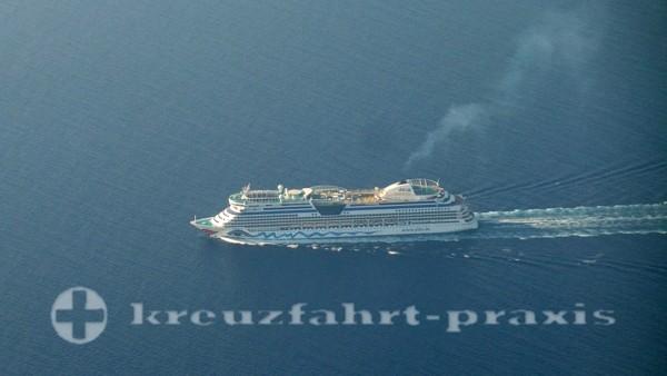 AIDA Kreuzfahrtschiff im Mittelmeer