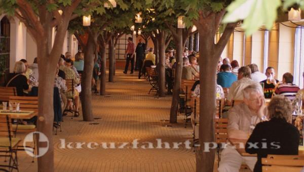 AIDAstella - Der Biergarten im Brauhaus