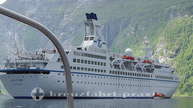 MS ASTOR vor Flam/Norwegen