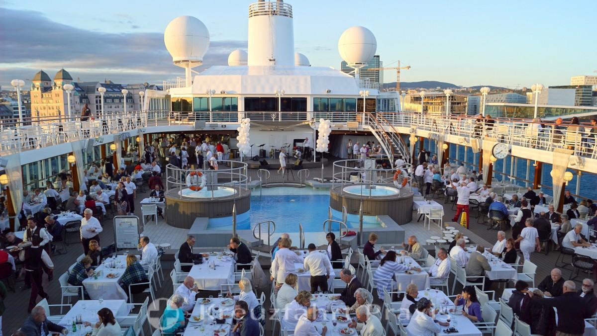 Azamara-Gäste feiern die White Night in Oslo