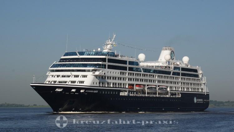 Azamara Quest - Auf der Elbe vor Hamburg
