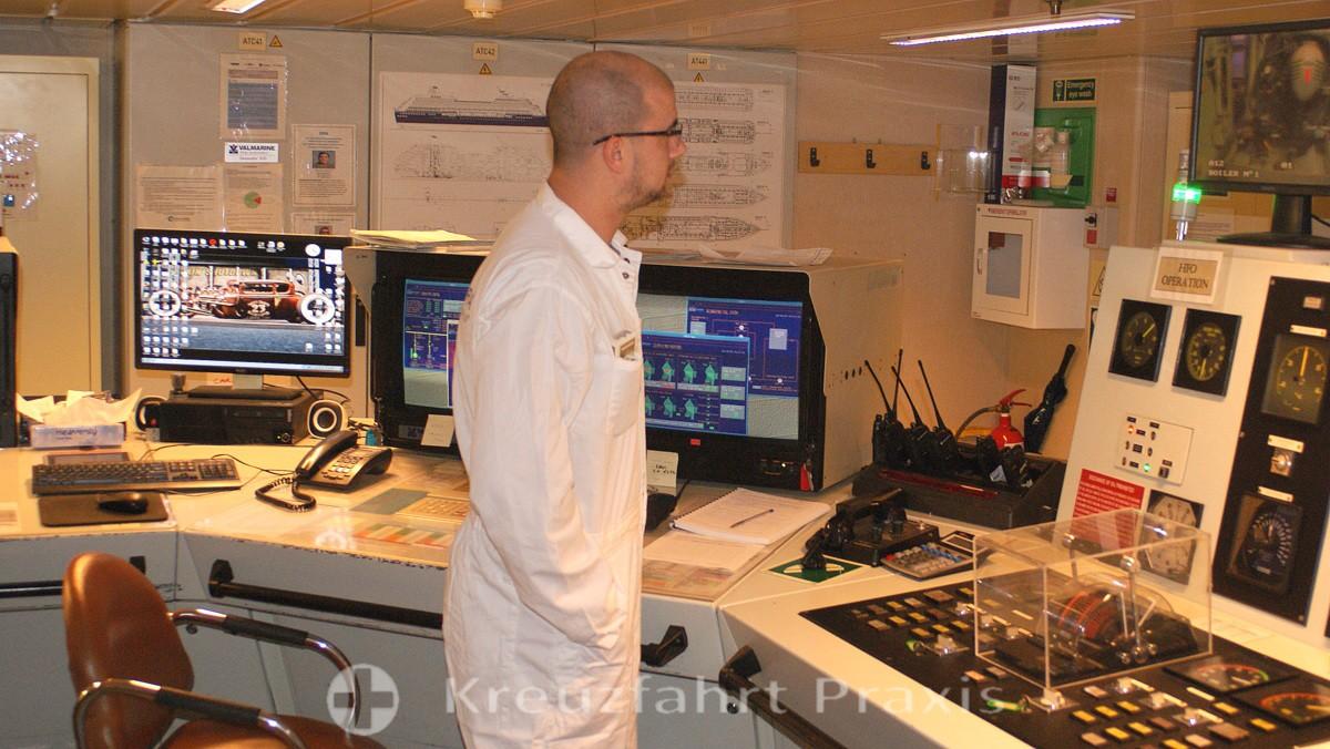 Maschinenkontrollraum - im Verborgenen wirkendes Crewmitglied