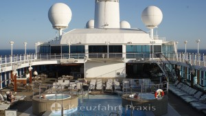 Sun deck and the jogging track on deck 10