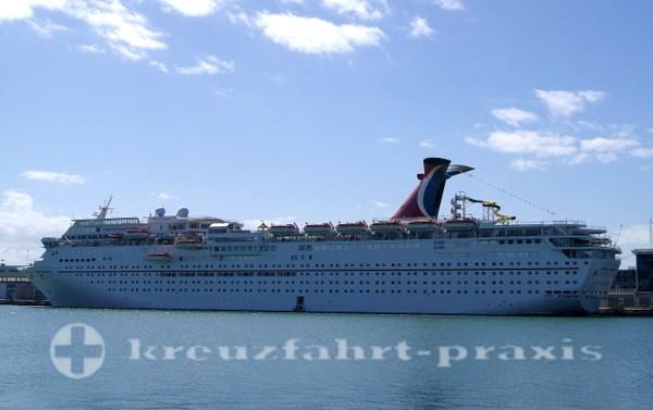 Carnival Imagination im Hafen von Miami