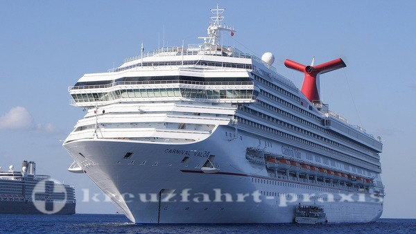 Carnival Valor - vor Grand Cayman