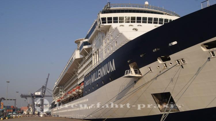 Celebrity Millennium im Hafen von Chaem Labang/Vietnam
