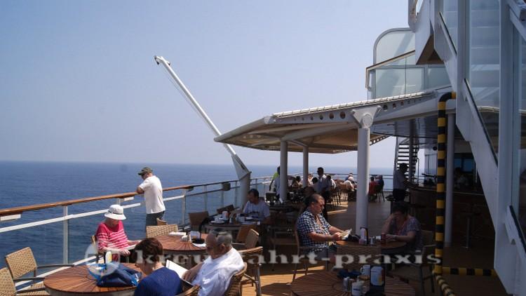 Celebrity Millennium - Außenbereich des Oceanview Buffet Restaurants