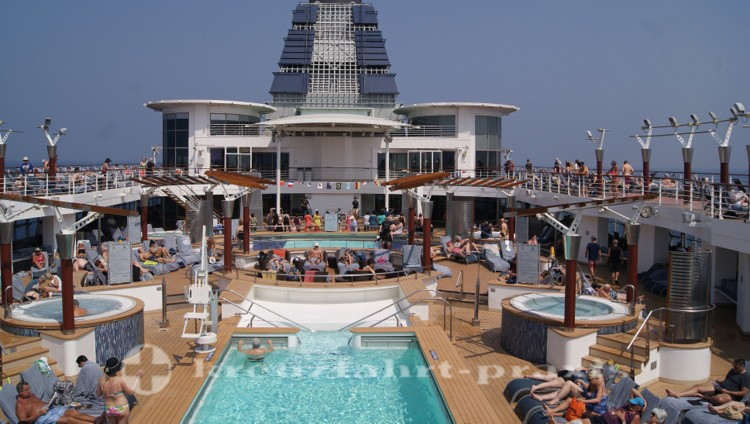 Celebrity Millennium - Pooldeck
