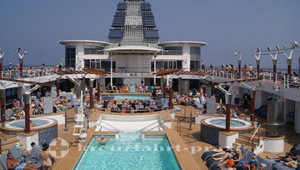 Pooldeck der Celebrity Millennium