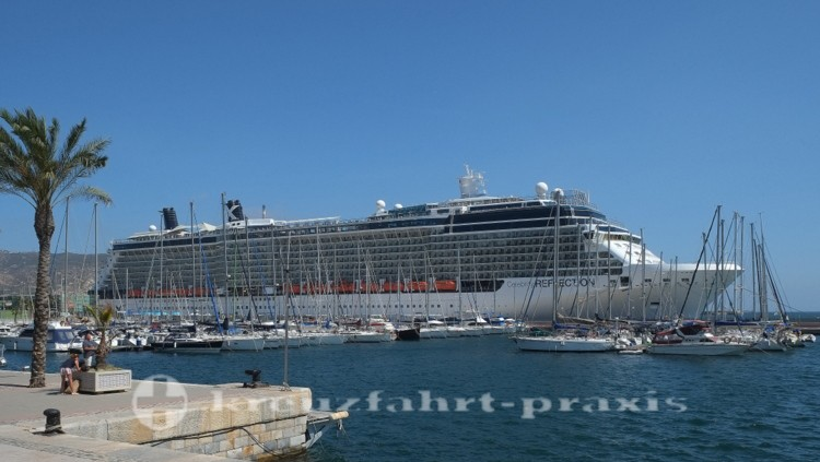 Celebrity Reflection - Im Hafen von Cartagena