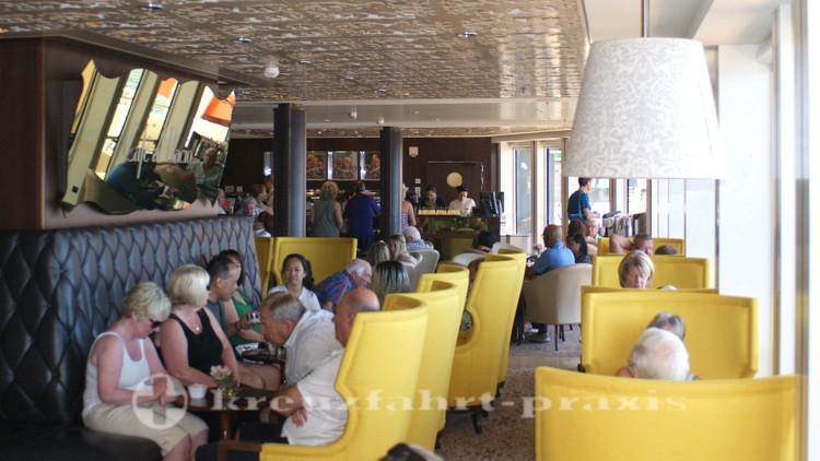 Celebrity Reflection - Café al Bacio