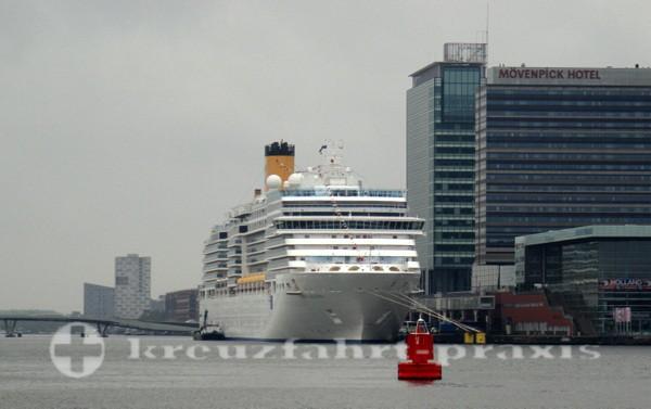 Costa Deliziosa - Im Hafen von Amsterdam