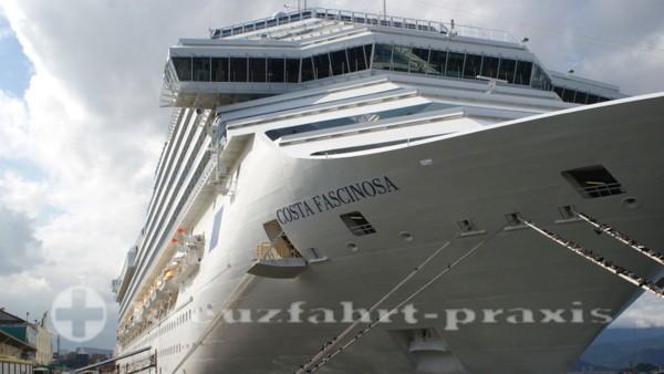 Costa Fascinosa im Hafen von Santos