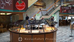 Buffetrestaurant - Süßspeisen, Joghurt und Obst