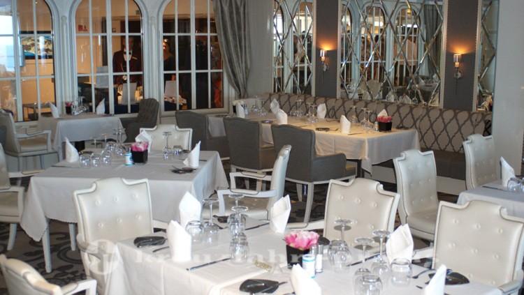 Costa neoRomantica - Club Restaurant