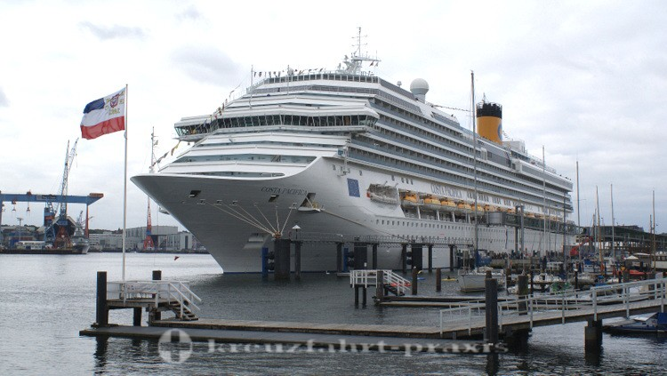 Costa Pacifica am Ostseekai in Kiel
