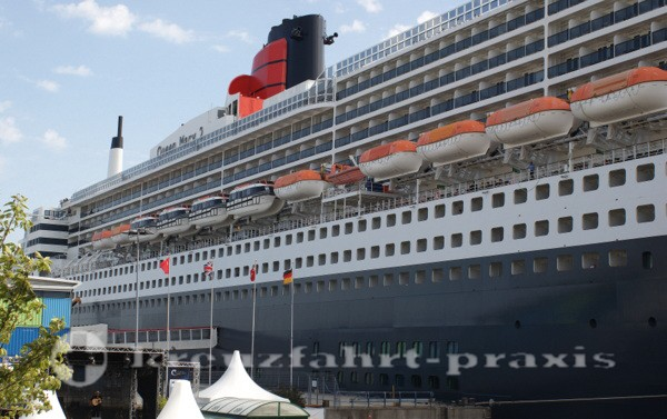 Cruise Days - Queen Mary 2