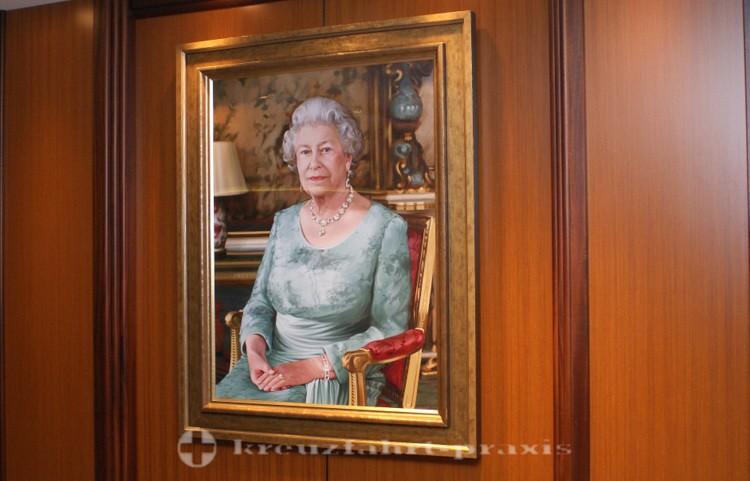 Cunard - Queen Elizabeth - Die Taufpatin Königin Elizabeth II.