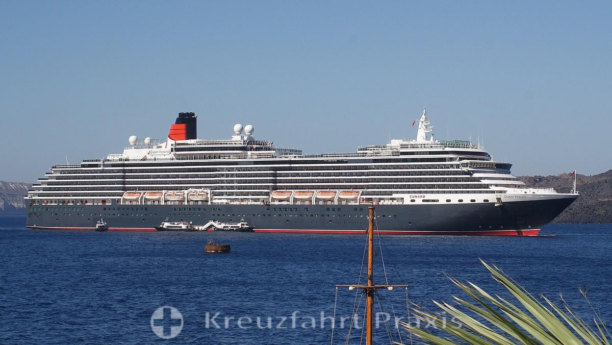 Queen Victoria in front of Santorini