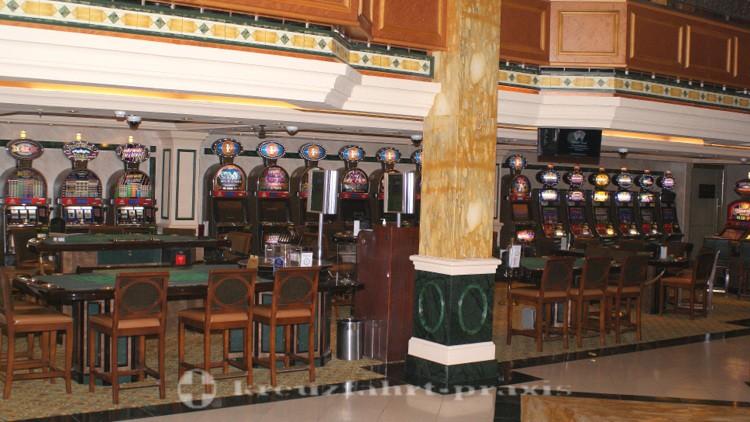 Cunard - Queen Victoria - Empire Casino
