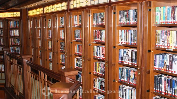 Cunard - Queen Victoria - Library