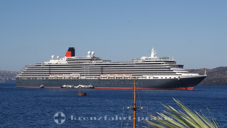 Queen Victoria vor Santorin