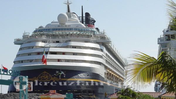 Disney Magic im Hafen von Sint Maarten