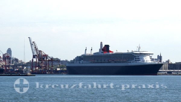 Queen Mary2 in New York