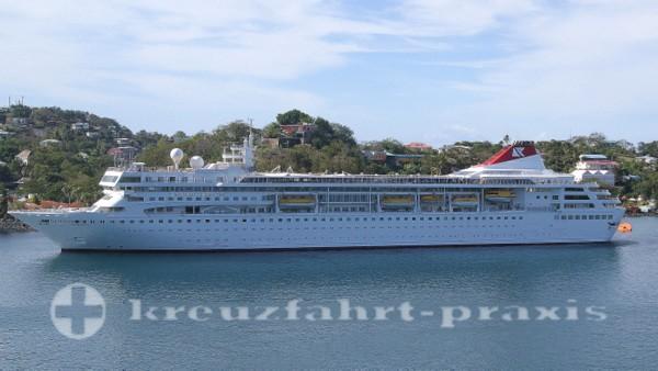 Fred Olsen - MS Braemar vor St Lucia