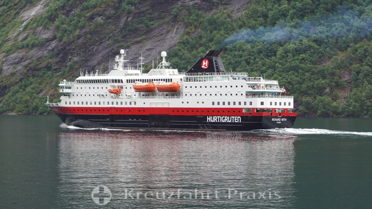 Hurtigruten establishes expedition cruise unit