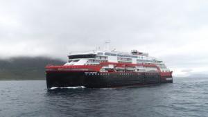 Hybrid-Schiff Roald Amundsen - Taufe in der Antarktis