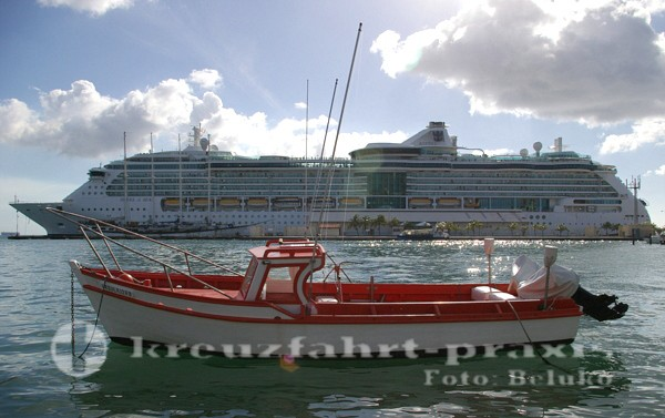Royal Caribbean - Jewel of the Seas vor Aruba