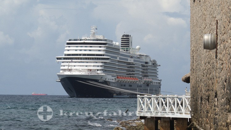 Holland America Line - MS Koningsdam in Willemstad/Curacao