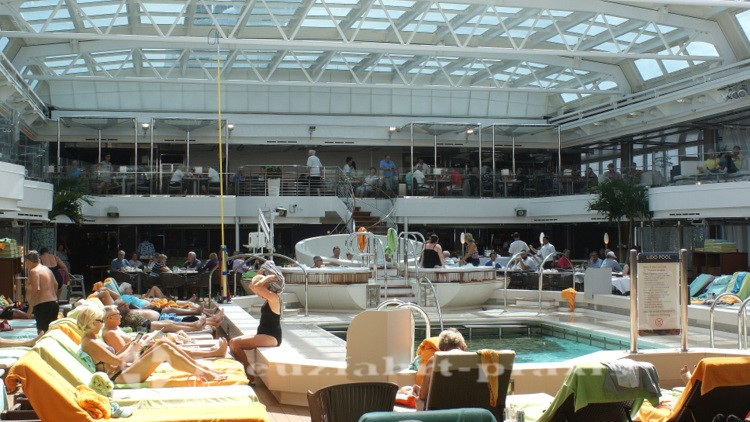 MS Koningsdam - Der Lido Pool