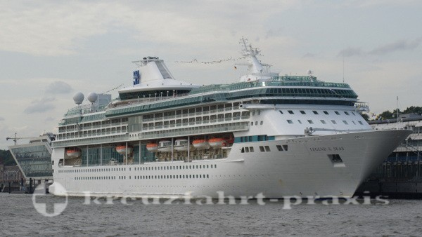 Legend of the Seas im Hamburger Hafen