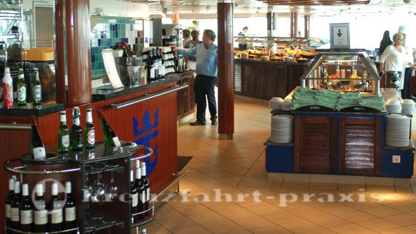 Legend of the Seas - Windjammer buffet restaurant